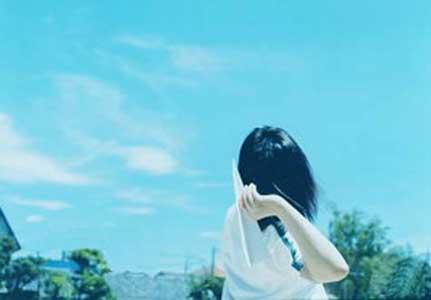 名叫小丽的女人